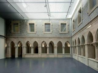 KREA Centro de arte contemporáneo de Roberto Ercilla