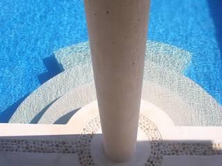 Piscinas de estilo mediterráneo de axg arquitectos Mediterráneo