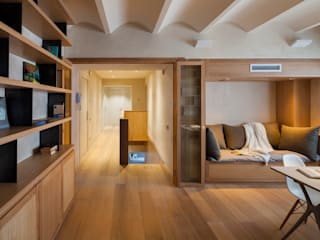 Duplex in Gràcia Modern Oturma Odası ZEST Architecture Modern