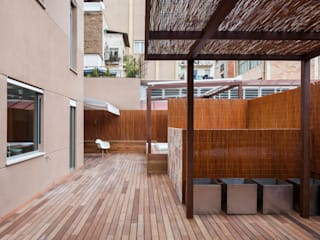 Duplex in Gràcia ZEST Architecture Multi-Family house