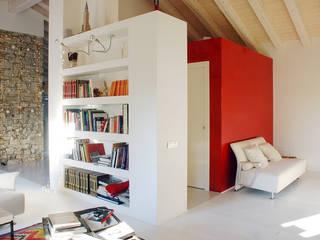 Casa privata a Valdobbiadene (TV) Case moderne di PAOLA REBELLATO ARCHITETTO Moderno