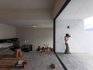Salones de estilo  de Dellekamp Arquitectos