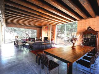 Narigua House Comedores de estilo rústico de P+0 Arquitectura Rústico