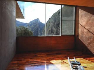 Narigua House Salle de sport moderne par P+0 Arquitectura Moderne