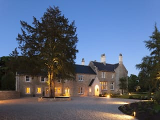 Georgian Manor House, Oxfordshire:  Houses by Concept Interior Design & Decoration Ltd