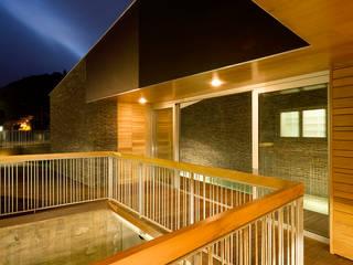 Vivienda unifamiliar Ca'Paco equipo olivares Balcones y terrazas de estilo moderno