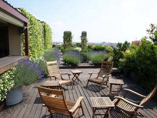 Moderne balkons, veranda's en terrassen van Hortensia Modern