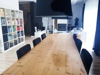 Dom jednorodzinny projekt parteru: styl , w kategorii Salon zaprojektowany przez White Interior Design