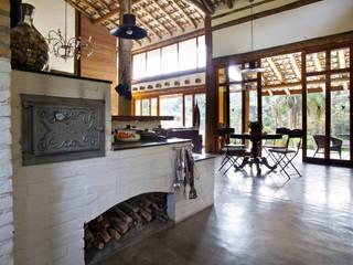 Casas de estilo  de Bianka Mugnatto Design de Interiores, Rústico