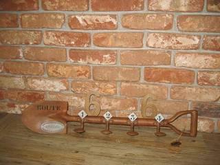 PERCHERO OXIDADO:  de estilo industrial de muebles radio vintage, Industrial
