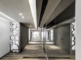 ITISA Group Modern office buildings by usoarquitectura Modern