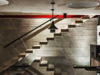 Ingresso & Corridoio in stile  di FCstudio