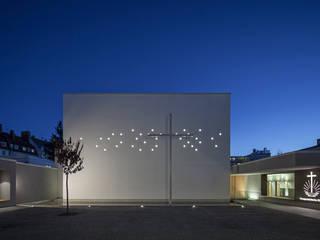 Neuapostolische Kirche, München - Laim Moderne Veranstaltungsorte von Haack + Höpfner . Architekten und Stadtplaner BDA Modern