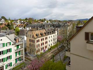 Aussicht aus dem Dachgeschoss:  Häuser von Cadosch & Zimmermann GmbH Architekten ETH/SIA