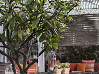 Modern style balcony, porch & terrace by MARIANGEL COGHLAN Modern