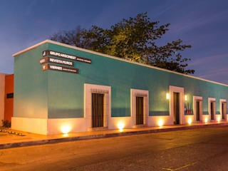 Colonial style office buildings by Grupo Arsciniest Colonial
