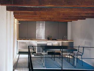 Verticale, Trasparente Cucina moderna di Luigi Ferrario Moderno