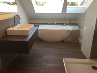 Ванные комнаты в . Автор – Badeloft GmbH