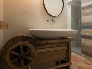 Rachele Biancalani Studio BathroomSinks