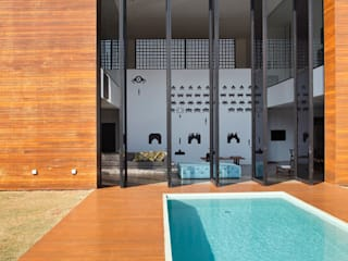 Pool by STUDIO GUILHERME TORRES