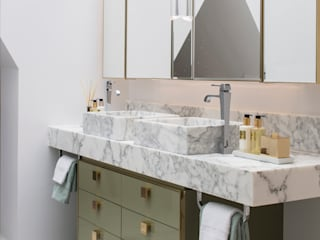 Bathroom by Roselind Wilson Design,