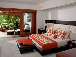 recamara principal Dormitorios modernos: Ideas, imágenes y decoración de Taller Luis Esquinca Moderno