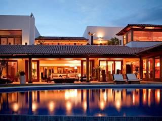 vista de noche Casas modernas de Taller Luis Esquinca Moderno
