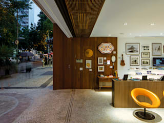 by Pascali Semerdjian Arquitetos Modern