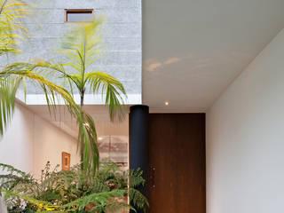 Modern Windows and Doors by Pascali Semerdjian Arquitetos Modern