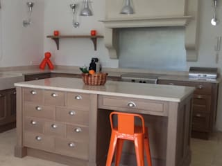 Kitchen by ateliers poivre d'ane,