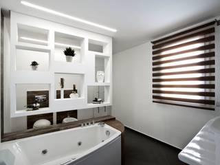 Baños de estilo  de Laboratorio di Progettazione Claudio Criscione Design , Moderno