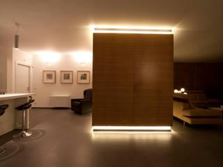 Casa L: Casa in stile  di Laboratorio di Progettazione Claudio Criscione Design