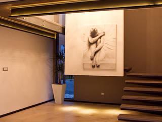 La escalera de un angel Pasillos, vestíbulos y escaleras minimalistas de Block-Mexico Minimalista