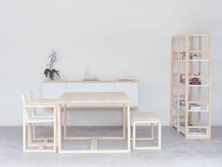 Collezione Incastro: Soggiorno in stile in stile Minimalista di Design for Craft and Industry
