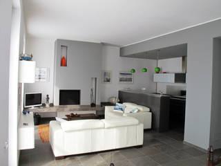 Ristrutturazione Villa Meina Soggiorno moderno di Matteo Verdoia Architetto Moderno