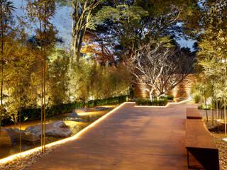 MOSTRA BLACK 2012: Jardins  por Hanazaki Paisagismo,Moderno