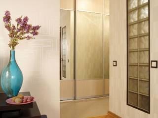 Расширяя пространство. Ольга Макарова (Экодизайн) Коридор, прихожая и лестница в стиле минимализм