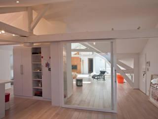 Minimalist houses by Agence d'architecture intérieure Laurence Faure Minimalist