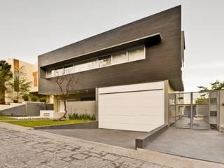 Residencia El Coto Casas minimalistas de Excelencia en Diseño Minimalista