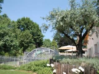 villa con piscina Piscina moderna di studio di architettura e design seregno Moderno