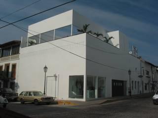 Bares y clubs de estilo minimalista de Taller Luis Esquinca Minimalista