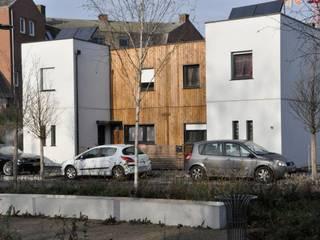 """Rue Wagner - LILLE - 2013 - """"21 Logements individuels"""":  de style  par Bertrand Danel Architecte"""