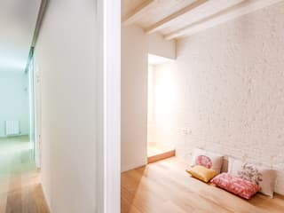 Houses by Piedra Papel Tijera Interiorismo