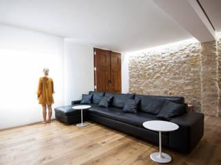 Casa en Quesa Balzar Arquitectos Salones de estilo mediterráneo