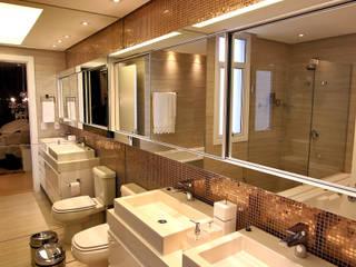 Baños modernos de AL11 ARQUITETURA Moderno