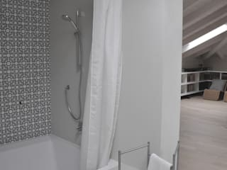 Baños de estilo moderno de PAOLO CAPRIGLIONE ARCHITETTO Moderno