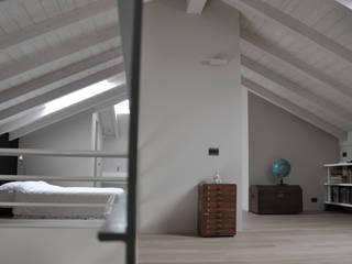 casa ELE Camera da letto moderna di PAOLO CAPRIGLIONE ARCHITETTO Moderno