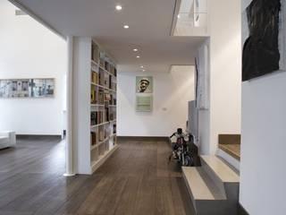 Salones de estilo moderno de na3 - studio di architettura Moderno Madera Acabado en madera