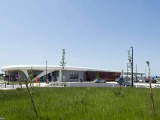 Aire De Jaunay Clan Espaces commerciaux modernes par SELARL Nicolas DAVID Architecte Moderne