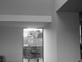 The Old Rectory, Wolvesnewton Dining room by Emmett Russell Architects